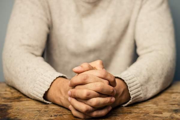 祷告,基督教,怎么祷告,如何祷告,假神,跟哪一位神祷告